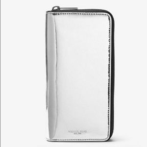 New Michael Kors Metallic Silver Zip Around Wallet